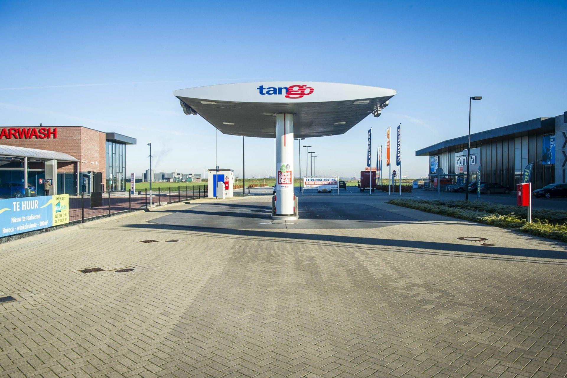 Bouw Tango Tankstation